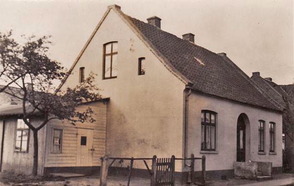 Wohn- und Geschäftshaus in der Twistringer Georgstraße, vor dem Umbau, 1940er Jahre