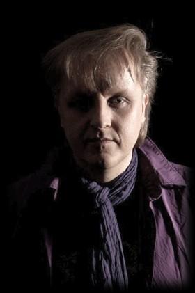 """Markus Reichmann unterstützt und begleitet zusammen mit seiner Band """"Irgendwie und Sowieso"""" den Gospelchor """"Soul of Mosaic"""" aus Nandlstadt"""