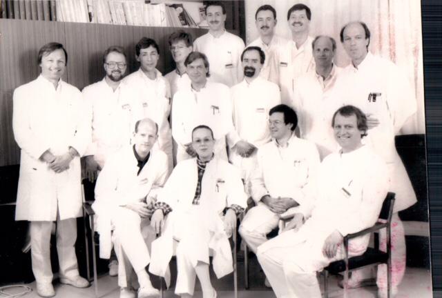 Klinikum Steglitz, Urologie. Man beachte den gutgelaunt-strahlenden Chefarzt am linken Bildrand!