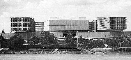 Das Klinikum Steglitz. Heute gehört es zur Charité und heißt Klinikum Benjamin Franklin.