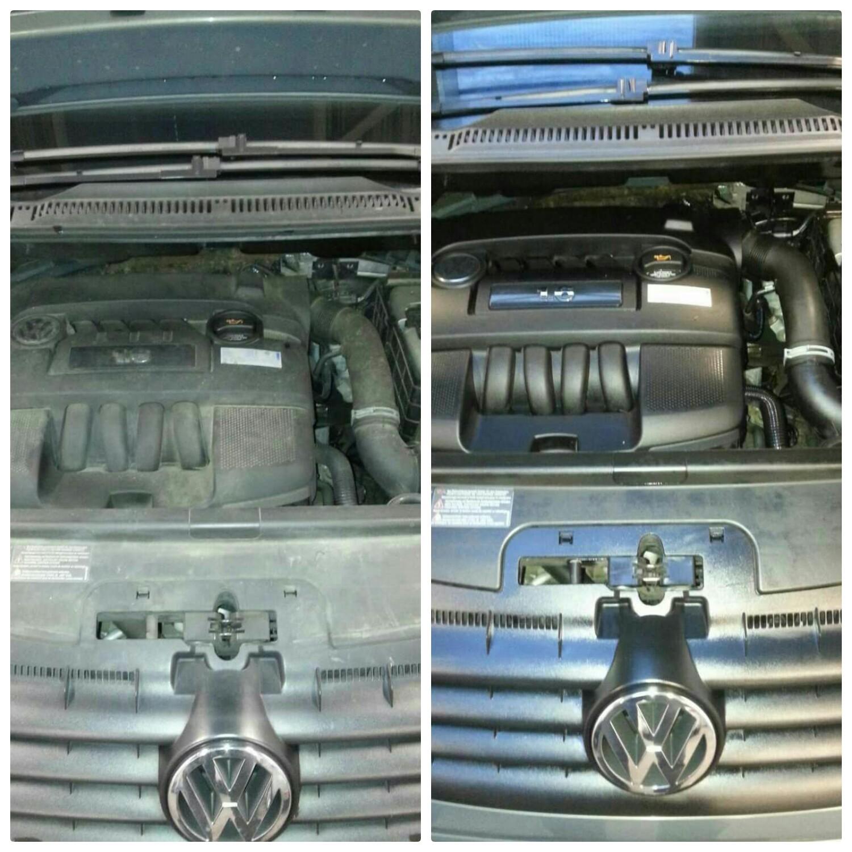 Onder de motorkap wordt ook alles grondig aangepakt. ollieresten verwijderd en kunsstof als nieuw.