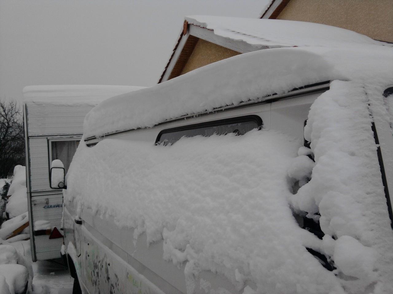 Mon popo sous la neige en janvier 2010
