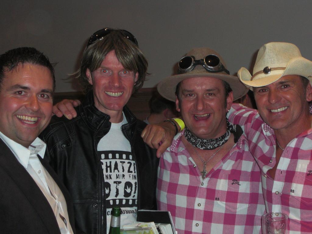 mit Mickie Krause und Die Partyvögel