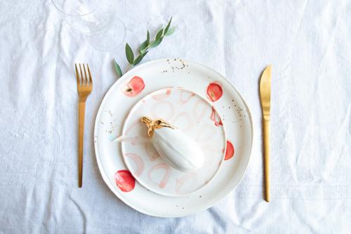 Assiettes, aubergines, ©Chaïmâe Chraïbi