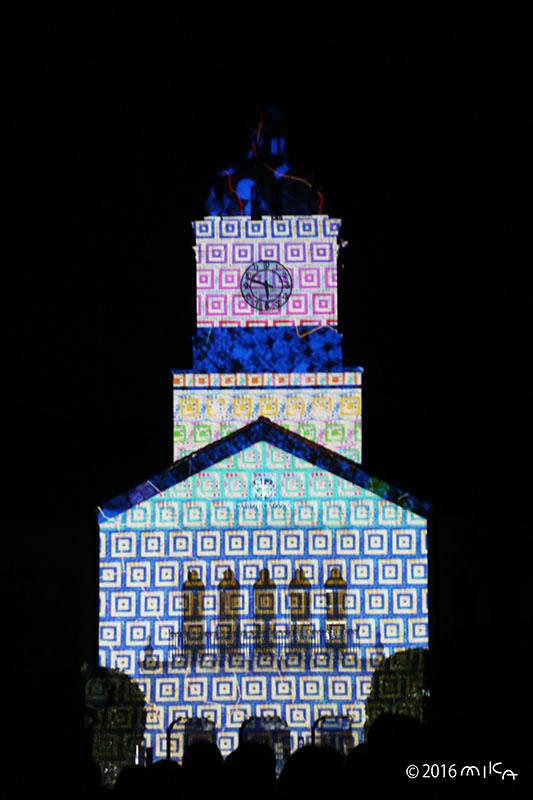 パステル調の四角(関西学院大学時計台プロジェクションマッピング2016年)