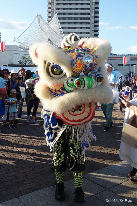 中国獅子舞(ロンロン青)こうべ海の盆踊り(2015年8月23日)より