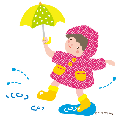 水たまりで遊ぶ子着た子(カッパがピンク)