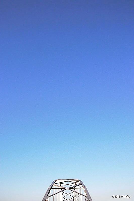 真っ青な秋晴れ(鉄橋)