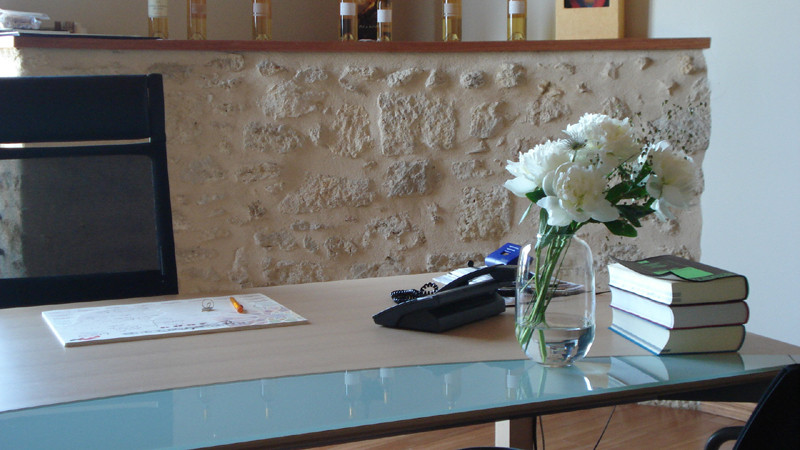 Pour votre bureau, bouquet et son vase à partir de 15€