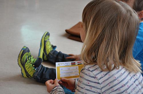 Jedes Kind erhält ein Ticket.