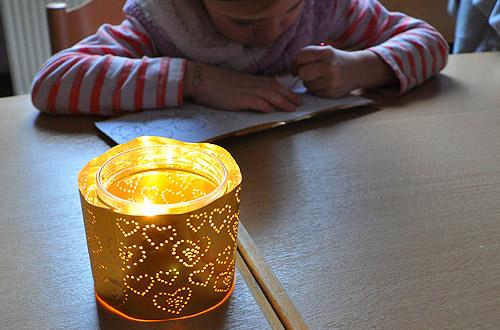 Lichterglas mit Prickelmuster