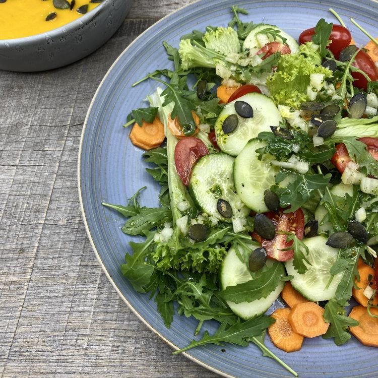 basisches Salatdressing klassisch