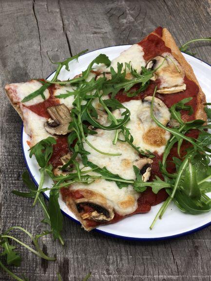 Basische Pizza mit basischem Käse BASISCH LECKER