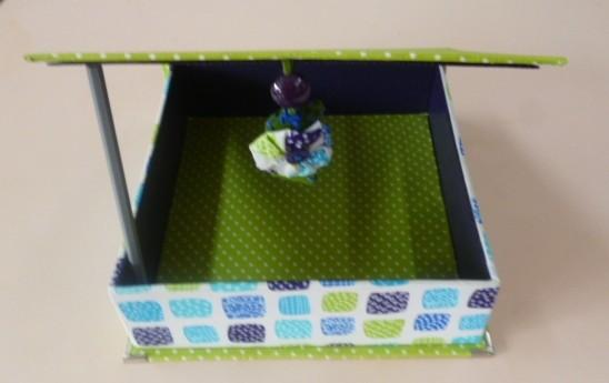 boite de coco skivertex vert olive ouverte petit chouchou  sur le devant