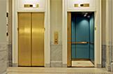 Enigma: Un hombre en el ascensor