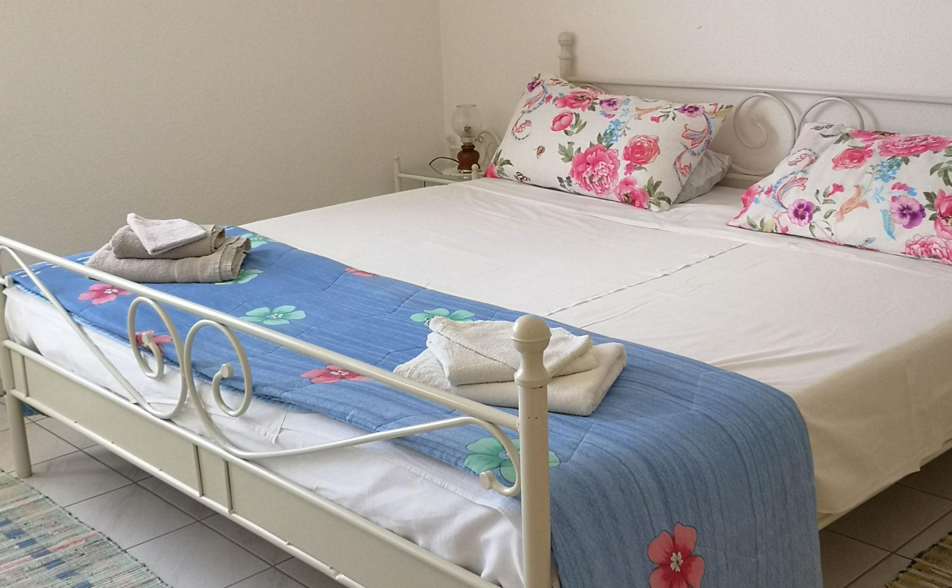 Schlafzimmer 1 mit Doppelbett © Ferienwohnung Spilinga | Tropea | Kalabrien - Casa Belle Vacanze