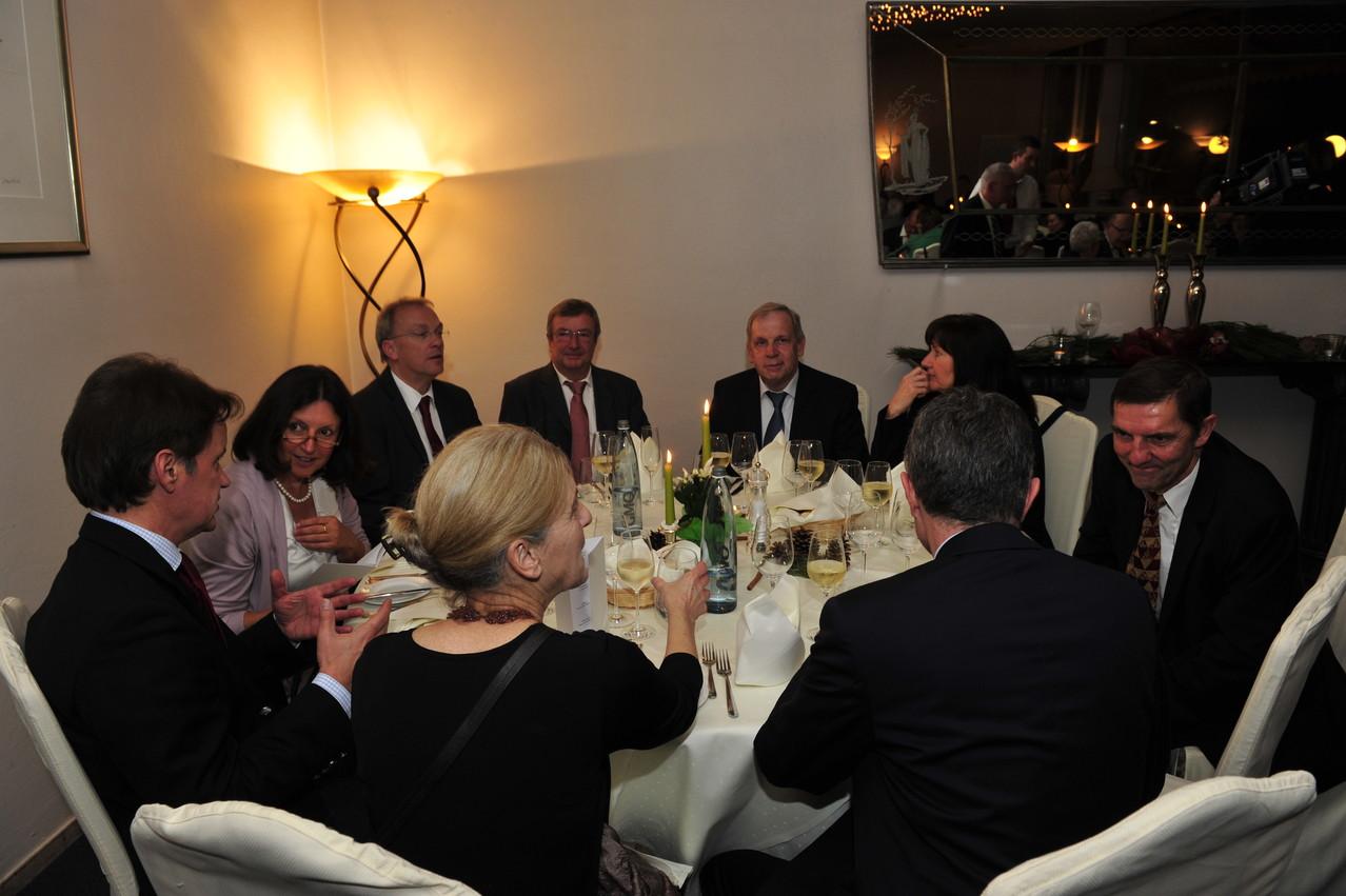 Michael Thieser, Marie-Luise Bersin, Udo Recktenwald, Daniel Mollard, Franz Jansen, Margit Strzalko, Jörg Gehlen; vorne: Antonia Koch, Dr. Gunter Hauptmann