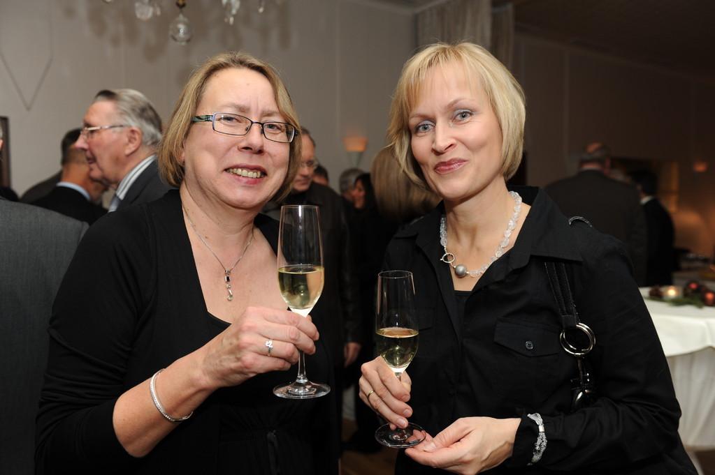 Empfang: Gabi Hartmann, Verena Bisle