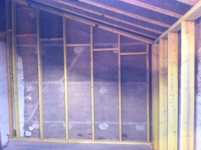 Préparation des murs avec une structure bois