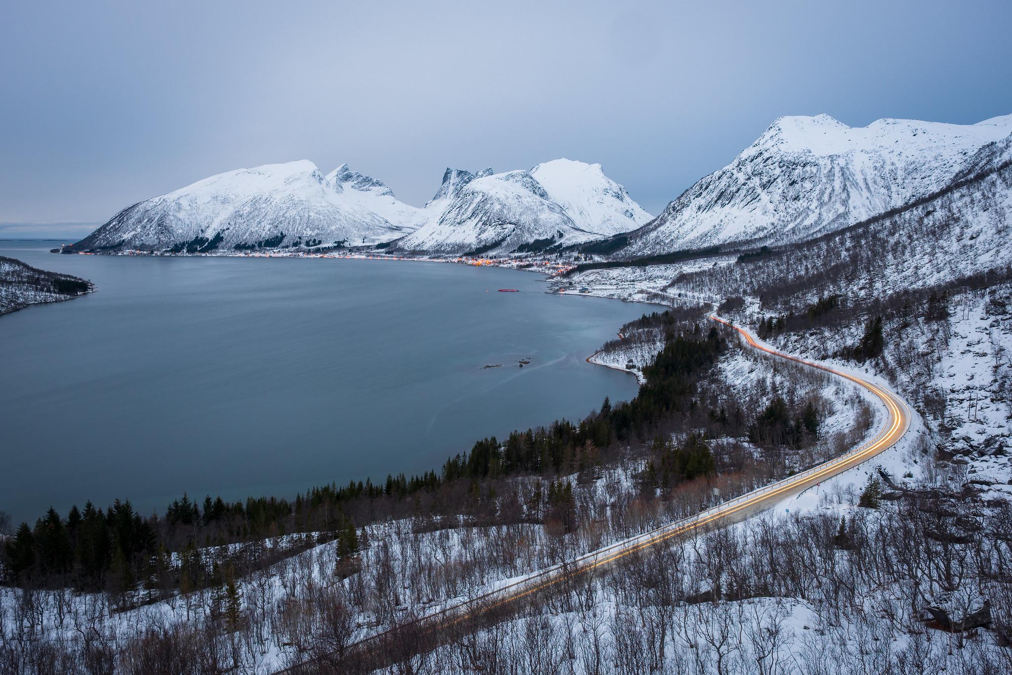 Der Blick von der Aussichtsplattform über den Bergsfjord