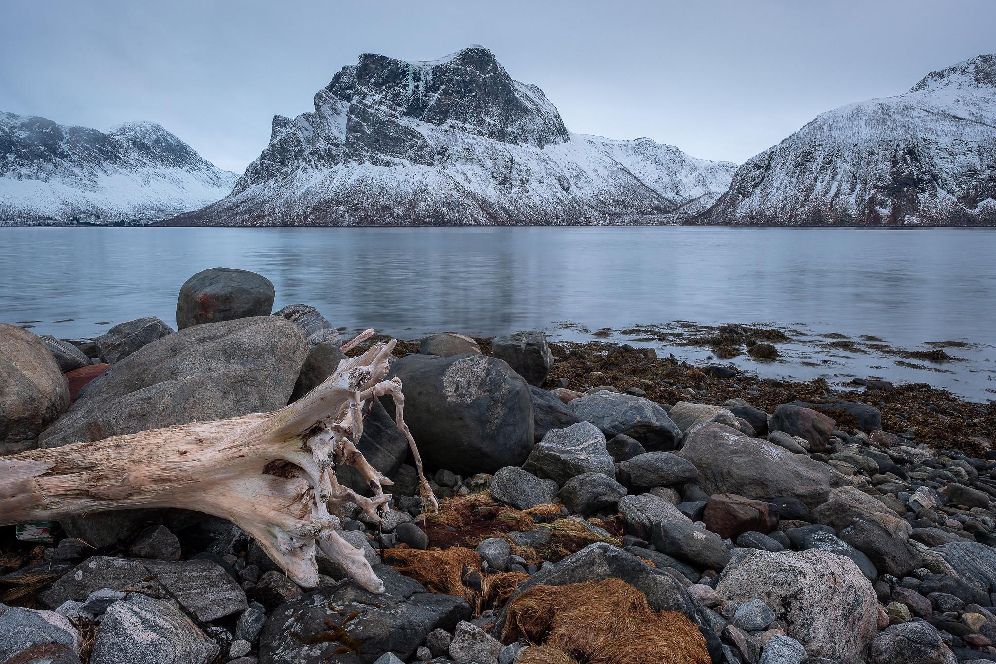 Ein bißchen melancholische Abendstimmung (um 14.30 Uhr) am Bergsfjord