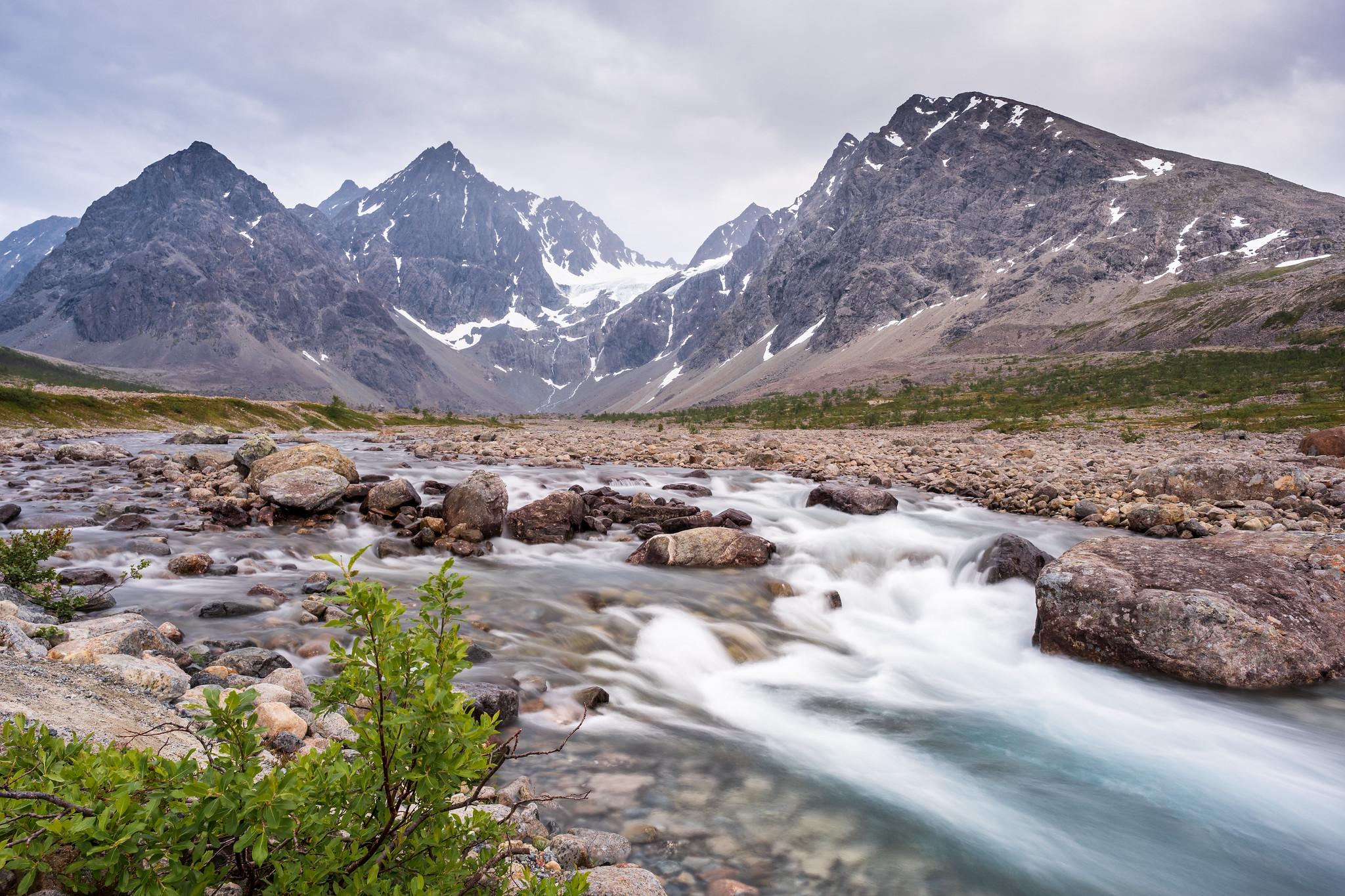 Noch wilderer Gletscherfluss auf dem Weg zum Blåisvatnet