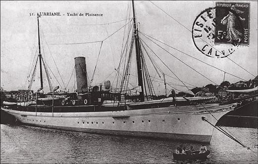 Célèbre auprès des colombophiles et cartophiles. Le 22 juil. 1905 le quotidien français «Le Matin» organisait un grand concours colombophile en mer. Des centaines de pigeons furent embarqués et lâchés au milieu de la Manche. Carte postale pour l'occasion.