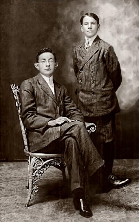 Paul Quesnel (assis) au collège de Rigaud en 1912. Merci à Madeleine Quesnel, fille d'Albert pour la photographie