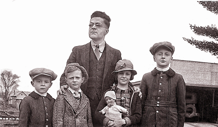 Lionel Quesnel et ses enfants, André, Jean-Claude, Marguerite, Paul-Emile
