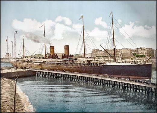 La Bourgogne en 1895, arrivant au Havre