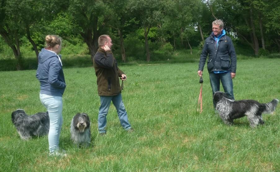 links Caatje, mitte Anna, rechts Ingo mit Arjen Oskar