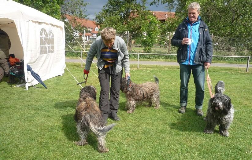 links Martina mit Tobi Miro, rechts Ingo mit Arjen Oskar