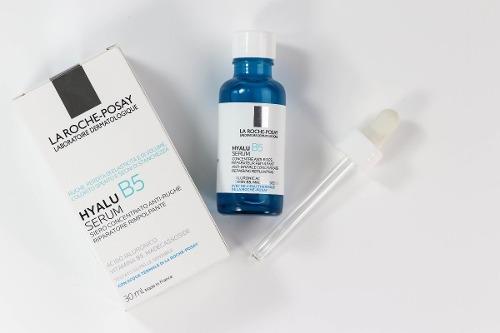 Confezione carta e tubetto siero viso anti età hayalu serum b5 la Roche-posay