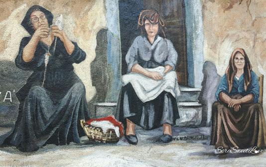 Murales tipici di Orgosolo che rappresentano le donne del paese