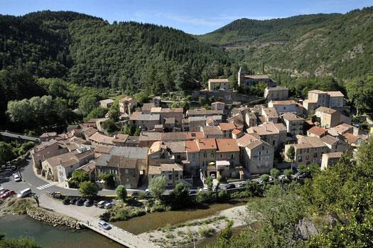 Panoramica del paese di Avène