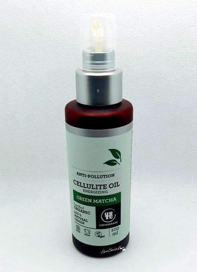 Cellulite Oil Green Matcha Urtekram sopra tavolo