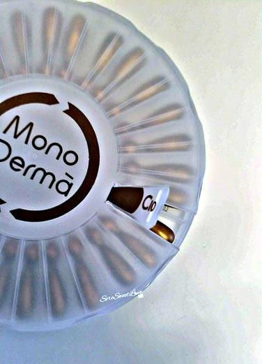Scatola in plastica MonoDermà Giuliani con indicatore aperto per far vedere la fialetta dove si inizia