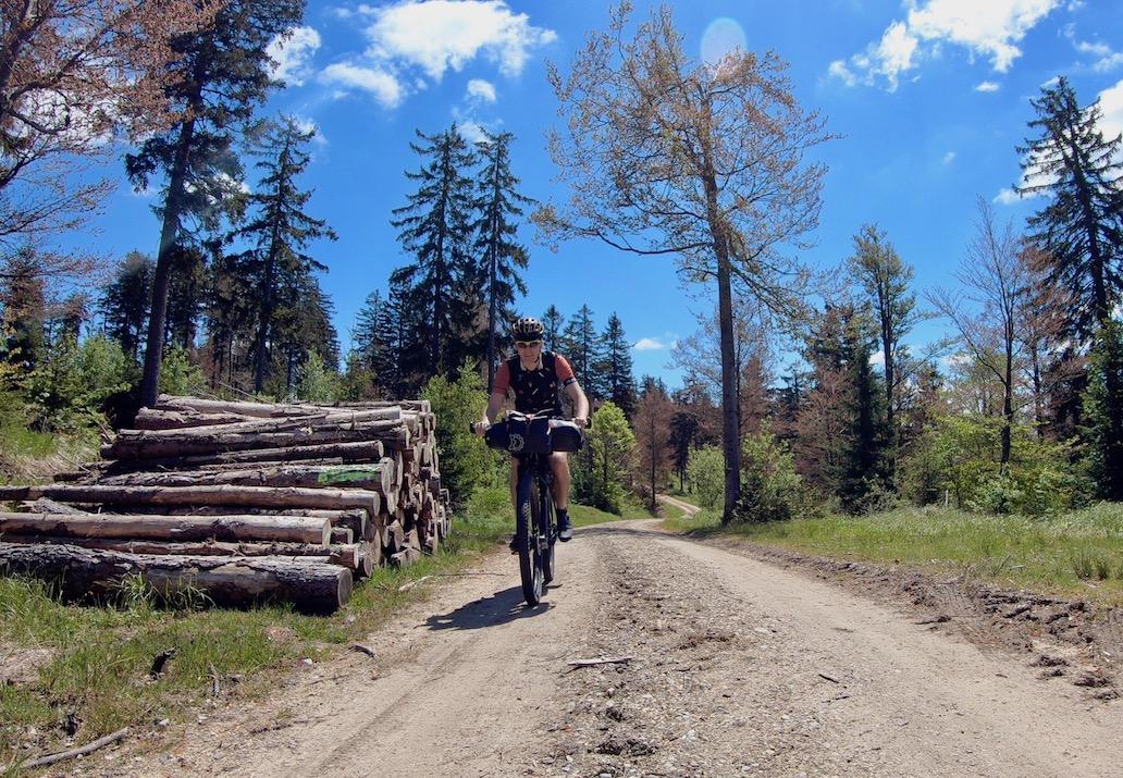 Berghuhn, Bayerischer Wald, Trans Bayerwald, Radreise, Bikepacking, Tailfin, Trikoterie, Specialized