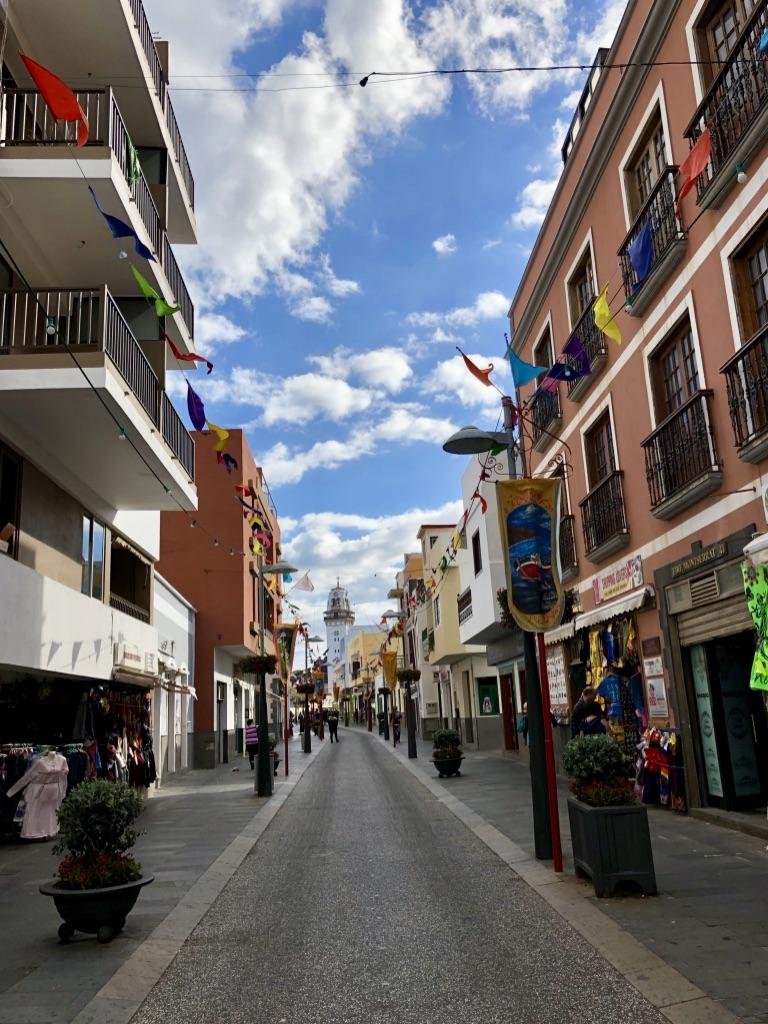 Calle Obispo Pérez Cáceres - Gasse zur Plaza de la Patrona de Canarias