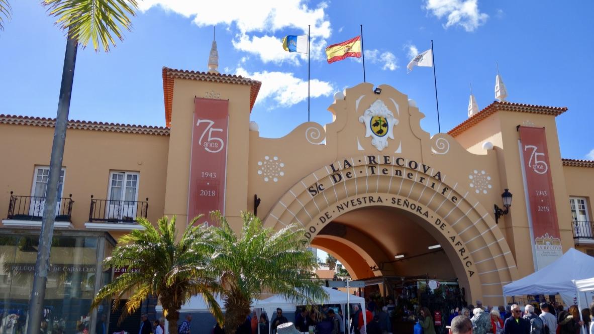 Eingang zum Mercado Municipal Nuestra Senora de Africa