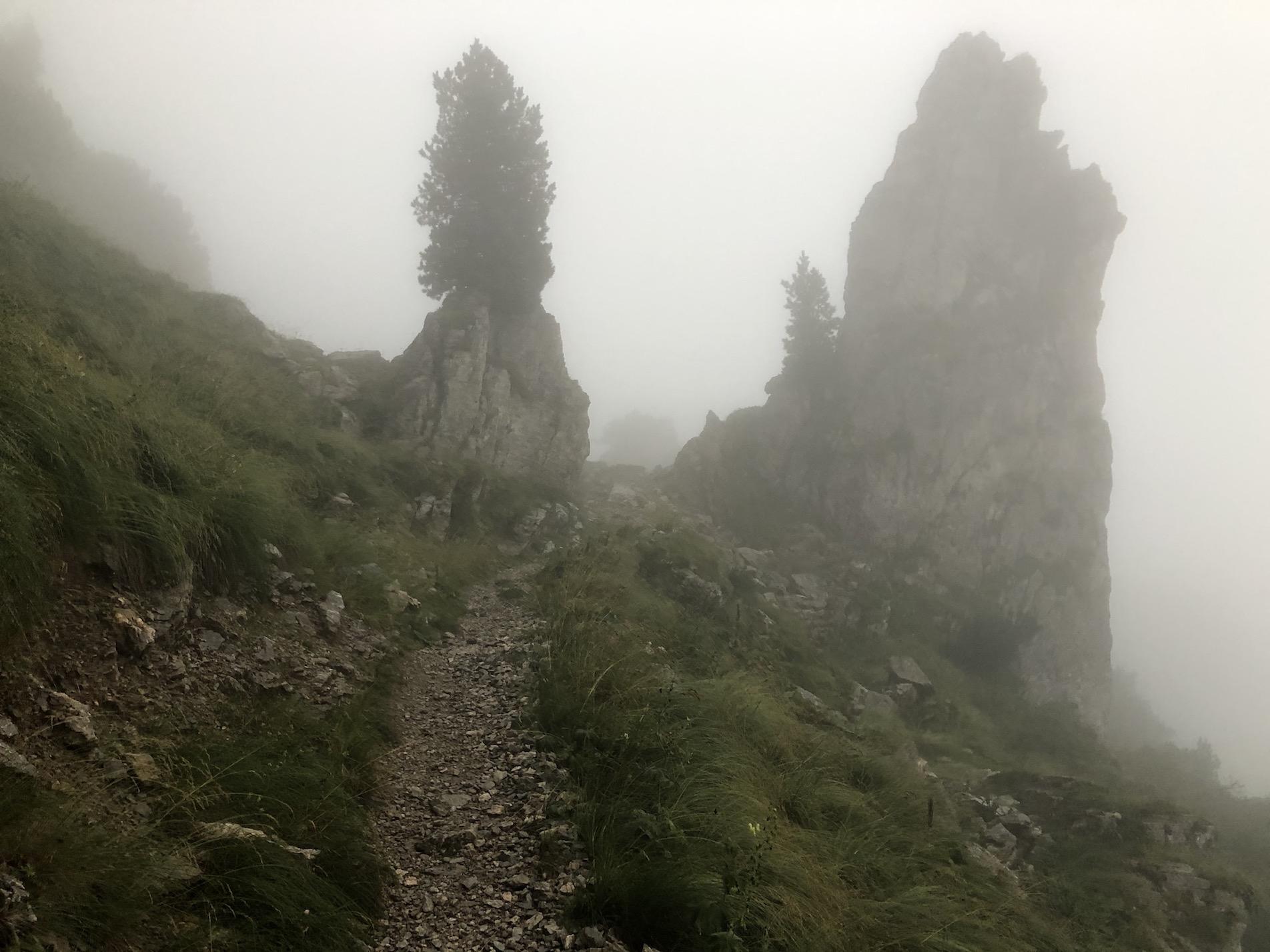in den Wolken kurz vor dem Passo del Duca