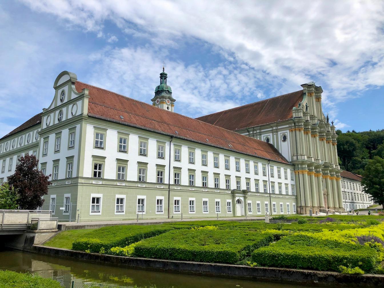 Blick auf das Kloster in Fürstenfeldbruck