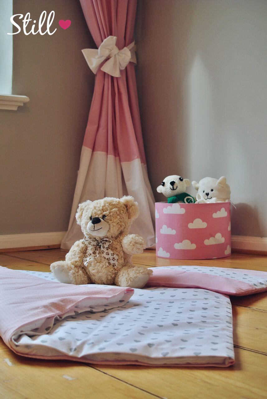 Bettwäsche, Spielzeugkorb & Gardinen