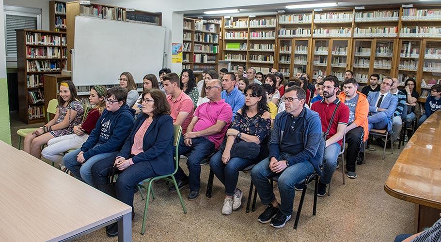 Reunión de familias de alumnos-ayuda