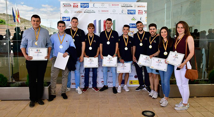 Estudiantes ganadores en la competicion Skills CLM 2018