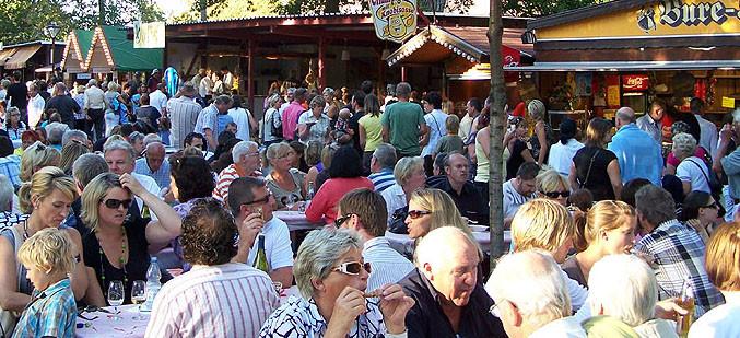 """Ein ganz besonderer """"Vergnügungspark"""": das Weinfest in Breisach!"""