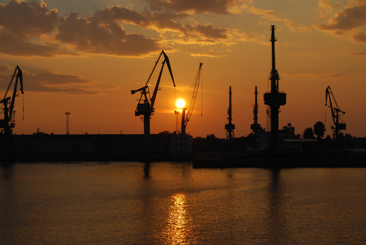 Sonnenuntergang in St. Petersburg