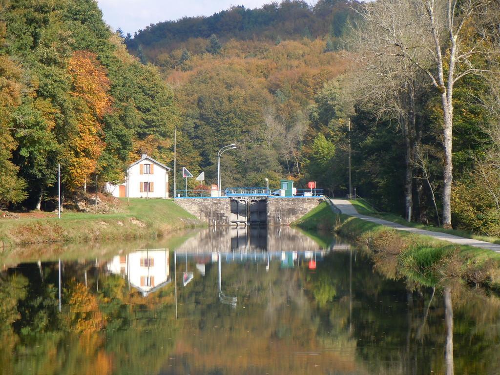 Ecluse 36 auf dem Canal des Vosges