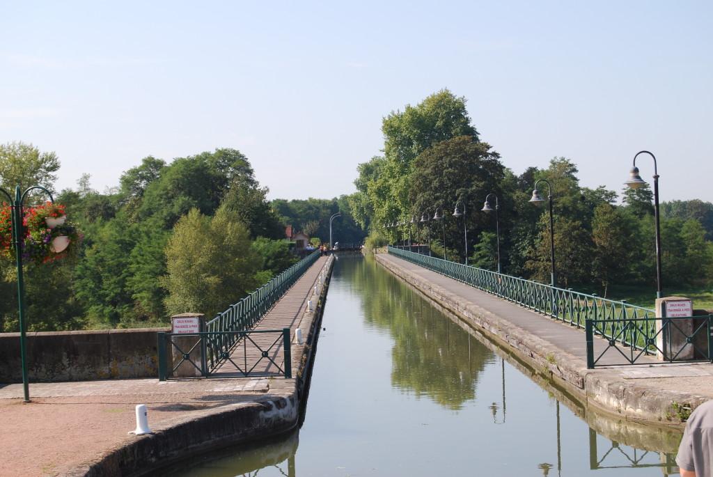 Burgund 2009 / Aquädukt über die Loire bei Digoin