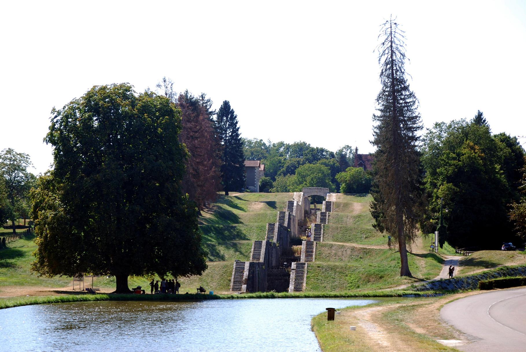 Ehemalige Scheusentreppe bei Rogny (Canal du Loing)